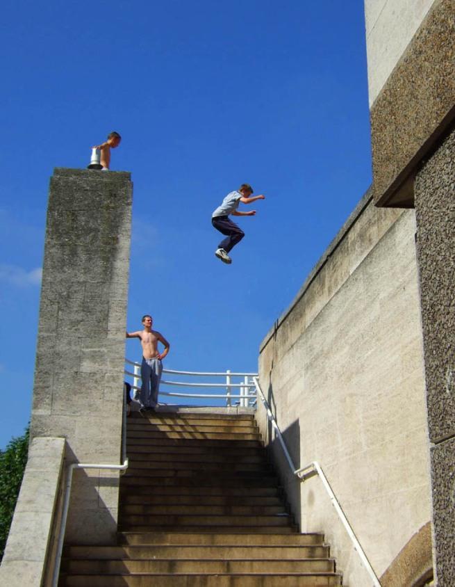 2-jumping-the-bridge