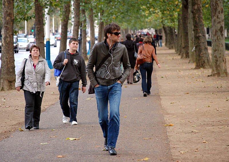 walking caminando persona mersul piciorul jos pe frumos face calle yesbut asi fatu beneficii iata alte ce grasa social tekanan
